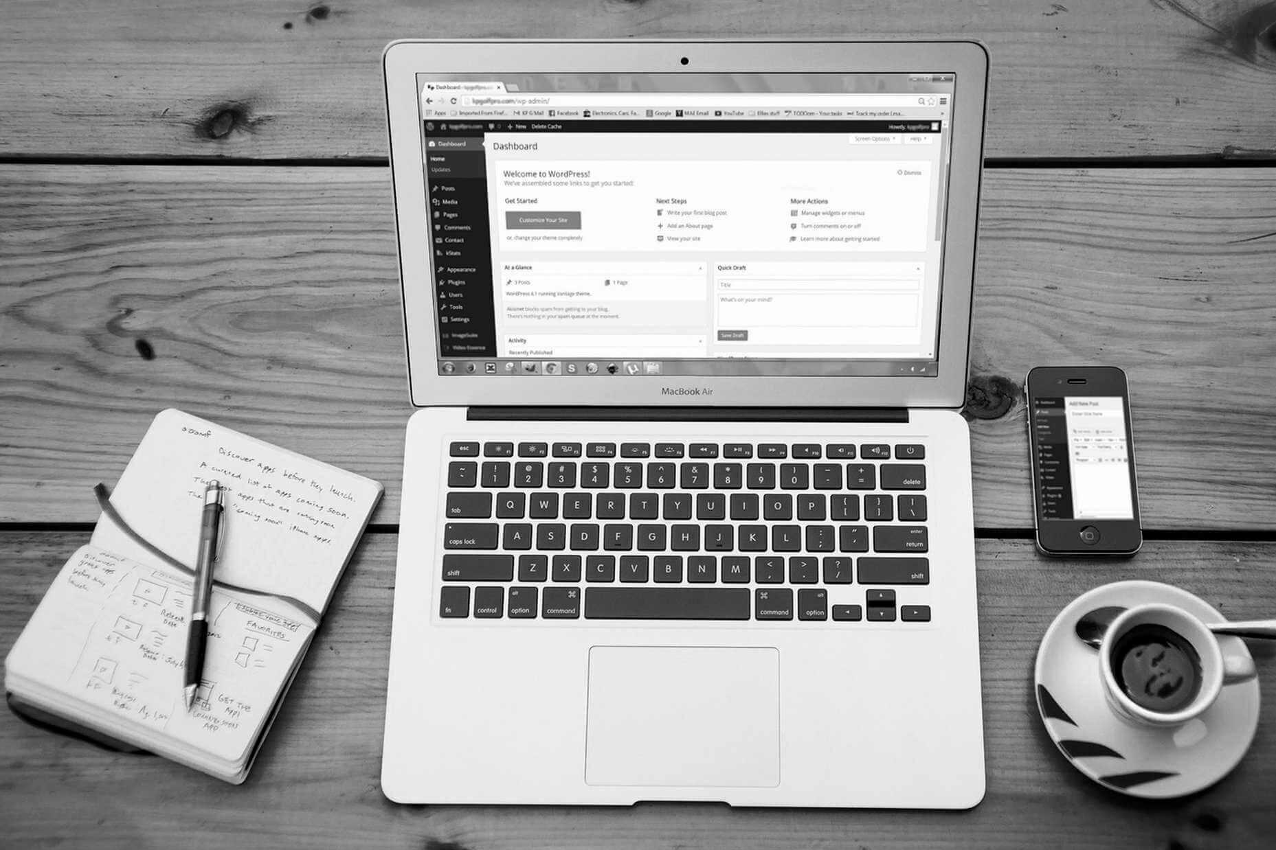 Laptop mit Wordpress geöffnet